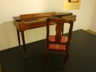 モーツアルトのピアノ.JPG