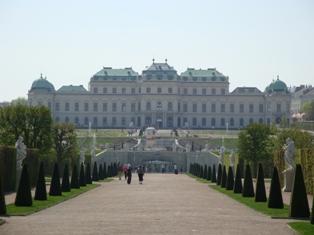 ヴェルベデーレ宮殿6.JPG