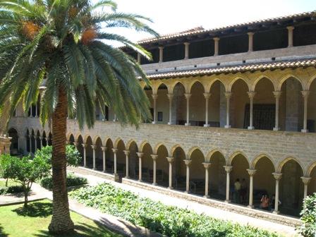 修道院内部から4.jpg