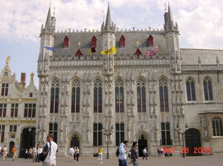市庁舎1.JPG